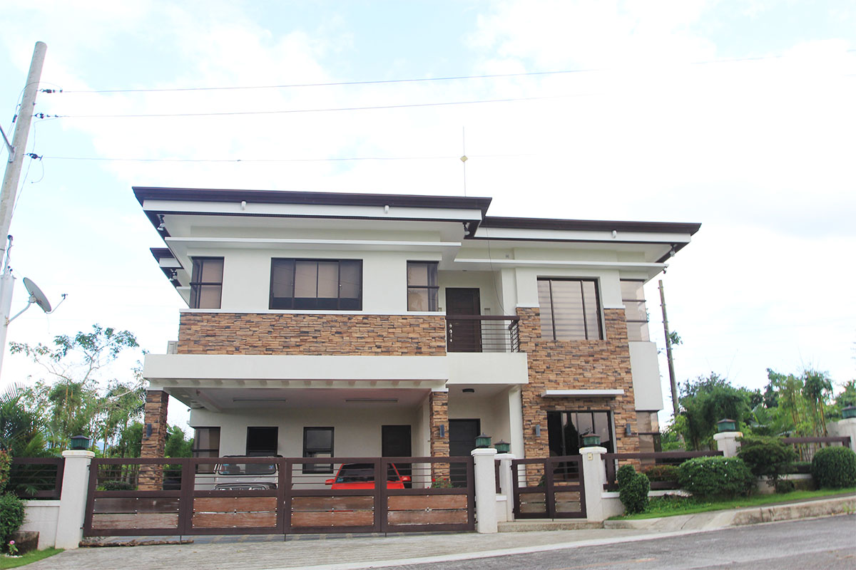 Summit point lipa city house and lot for sale hl1 for 2 houses on one lot for sale