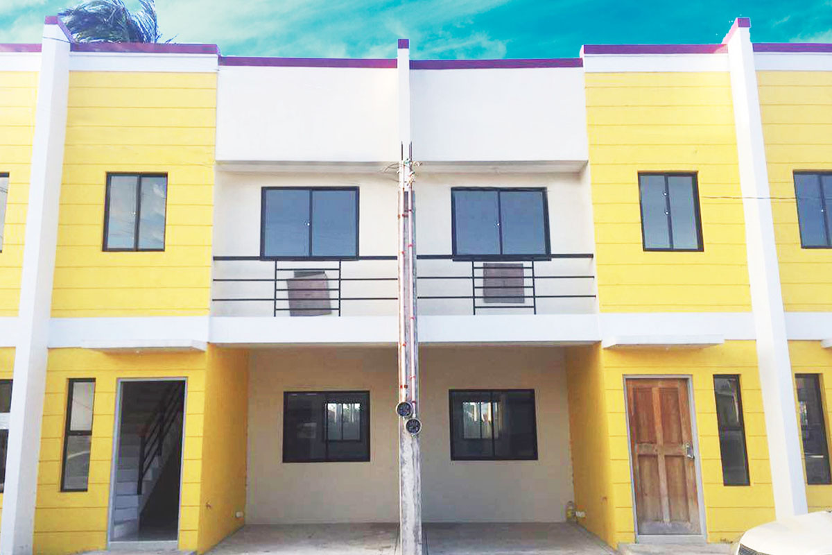 Bel air lipa city house and lot for sale hl2 for Two loans for one house