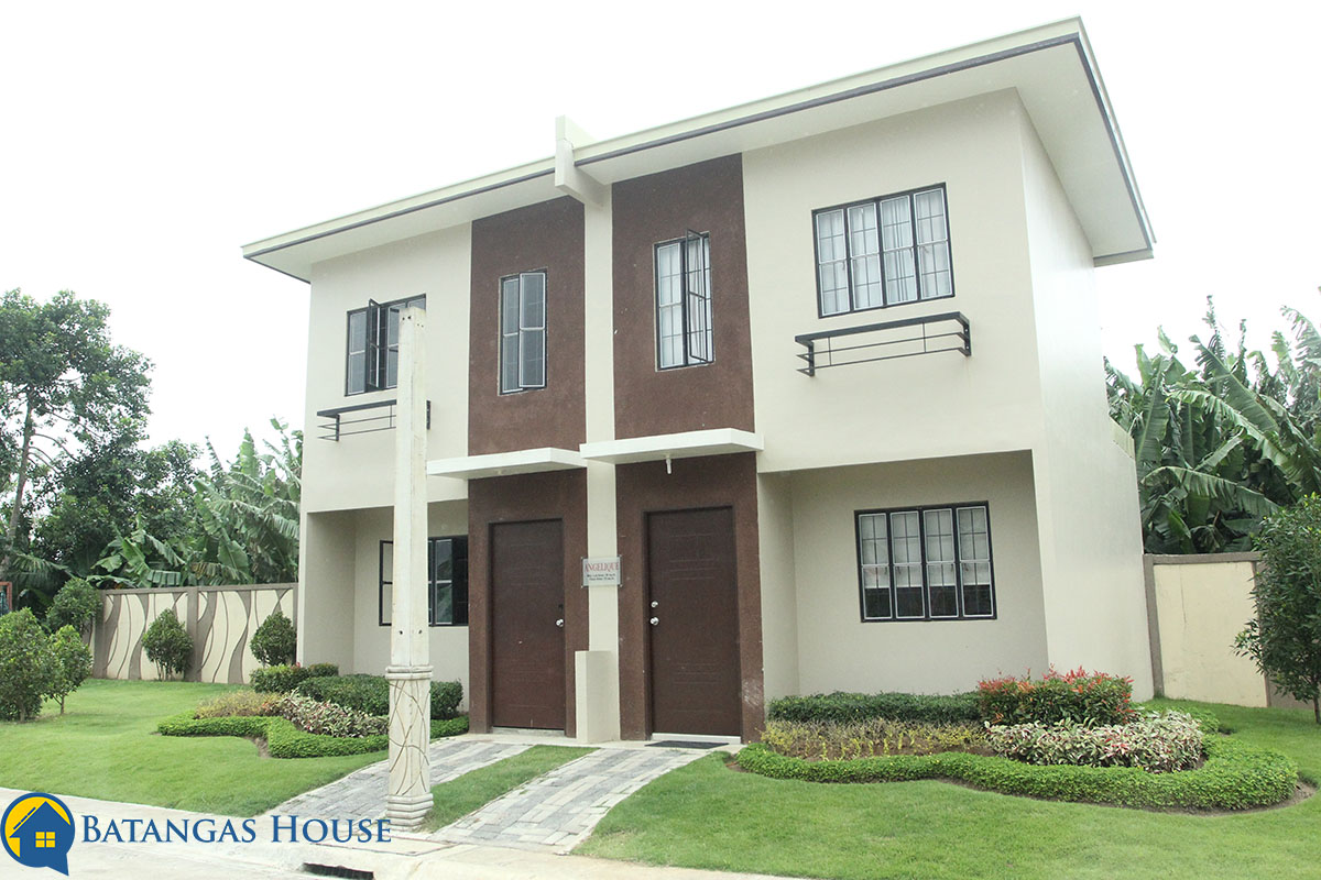 Town House | Two Storey 2 Bedrooms | 1 Bathroom Dining, Living, Kitchen  Area Provision For 2 Bedroom Provision For Carport Provision For Service  Area